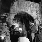 Colli di Monte Bove fedeli durante la messa in grotta