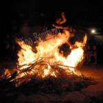 Barisciano (AQ) salti sul fuoco di San Giovanni, giugno 2015