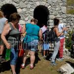 121- Prelievo di acqua di San Franco, ritenuta santa e particolarmente benefica per la salute