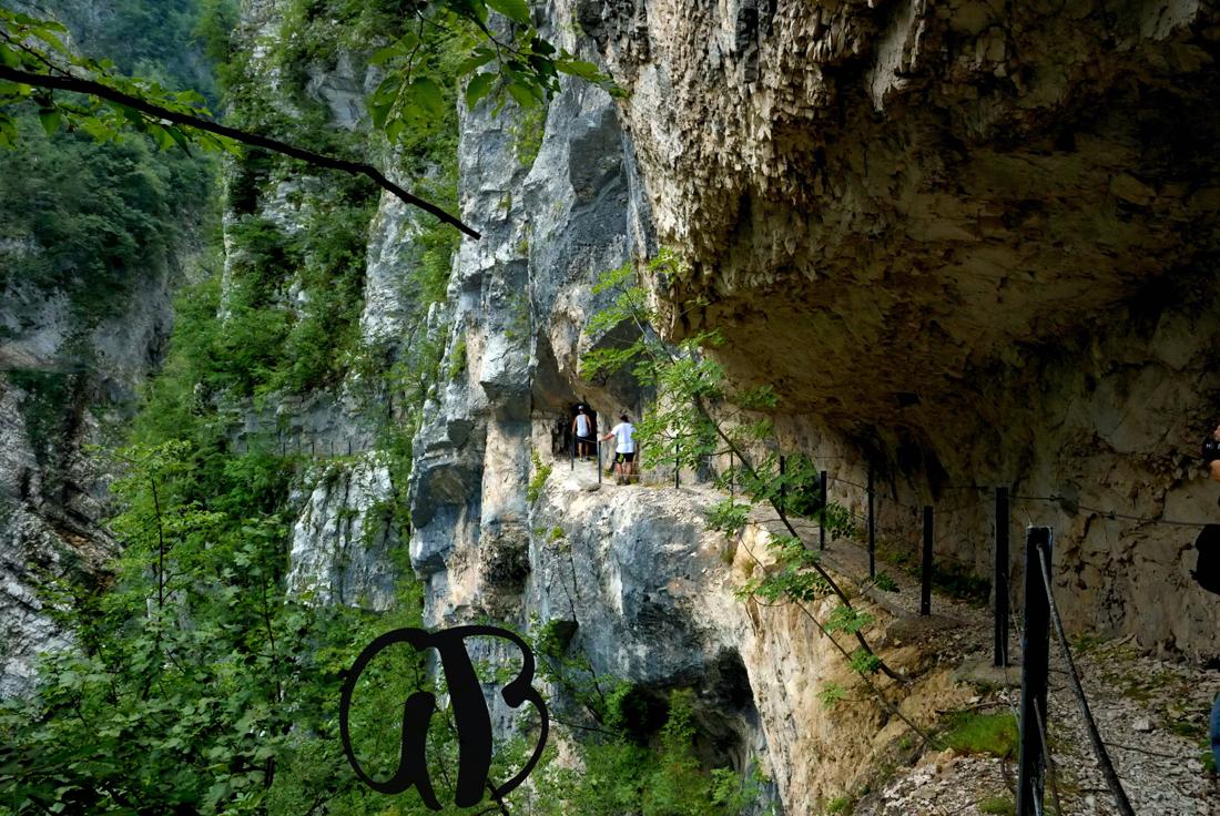 """Galleria verso la Valle dell'""""Inferno di S. Colomba"""""""