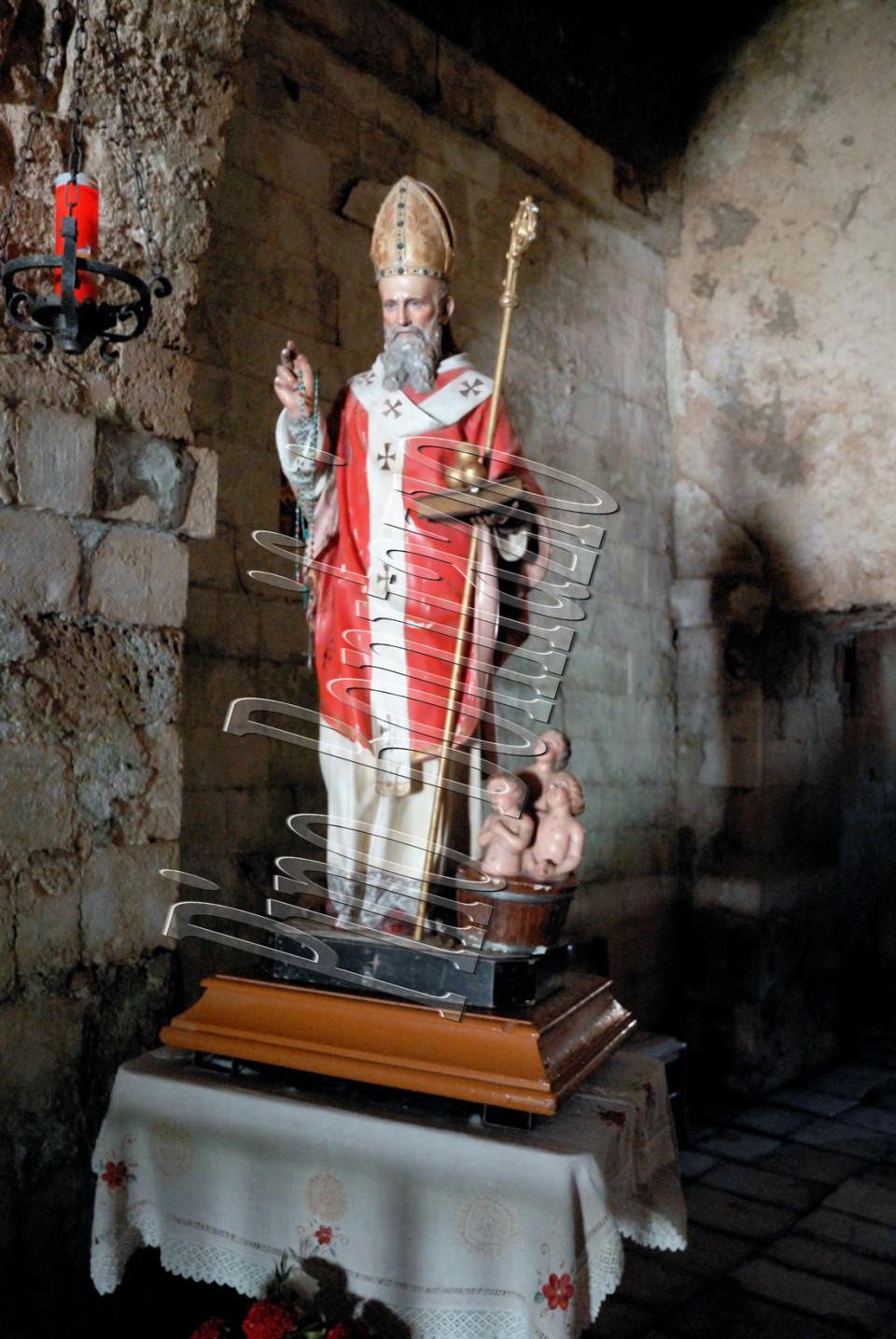 Statua di San Nicola di Bari