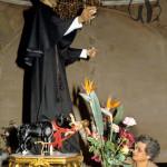 Pretoro (CH), statua di S.Domenico con il lupo che ha in bocca un bimbo, salvato dal santo.