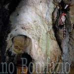 Colli di Monte Bove 5- '08. Grotta di S. Michele A. Cavità naturale dove si inseriva la testa per la cura delle emicranie