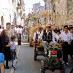 Palmoli 27-7-'80 sfilata delle pacchianelle . 3